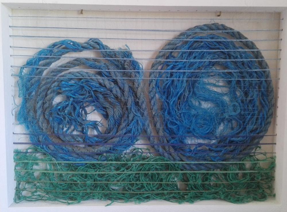 Mare 1 | 2013 B: 74 cm, H: 54 cm, T: 7 cm Holzrahmen, Nylon-, Baumwollfäden, Polypropylenseile, Netze, transparent